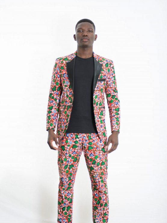 DSC 3808 e1533859979268 555x739 - Boss Blazer -African Print Ankara with Black Lapel Design